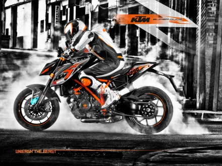sd1290_s5_KTM_SD1290_Wallpaper_Action_Style_RZ
